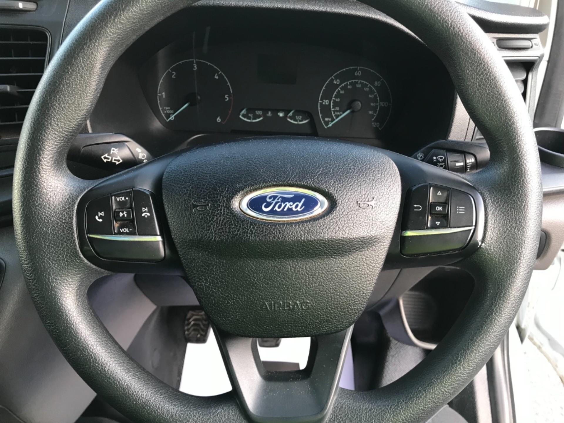 2018 Ford Transit Custom 320 L2 2.0 130ps D/Cab Euro 6 (BK18OLG) Image 13