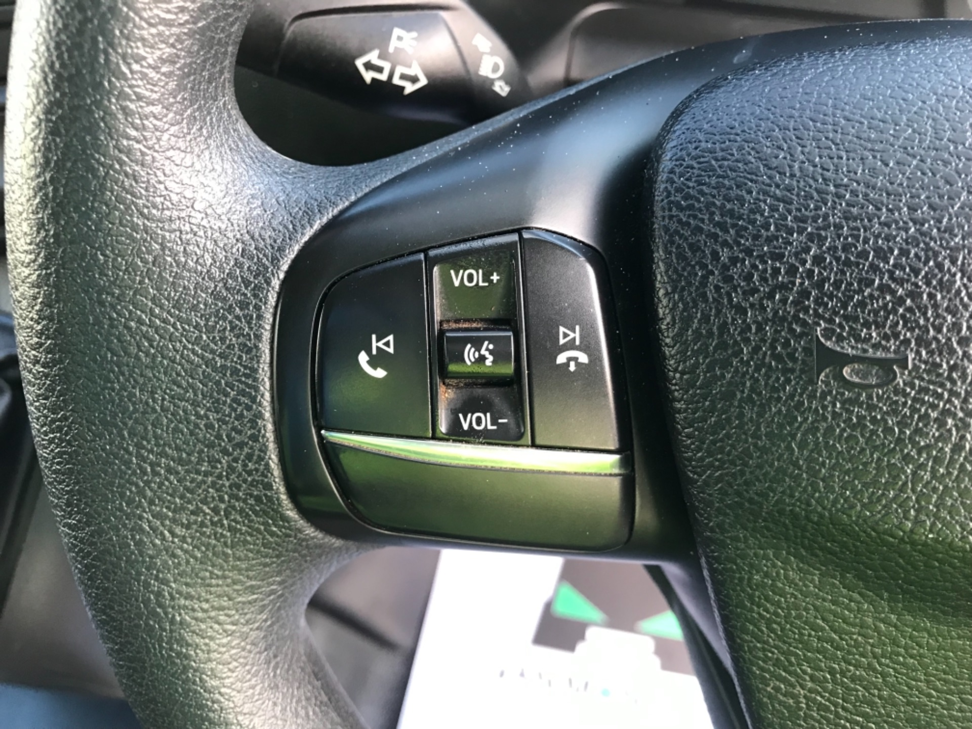 2018 Ford Transit Custom 320 L2 2.0 130ps D/Cab Euro 6 (BK18OLG) Image 14