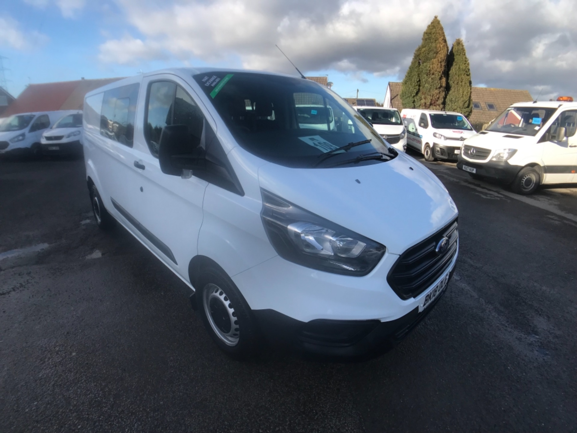 2018 Ford Transit Custom 320 L2 2.0 130ps D/Cab Euro 6 (BK18OLG) Image 1