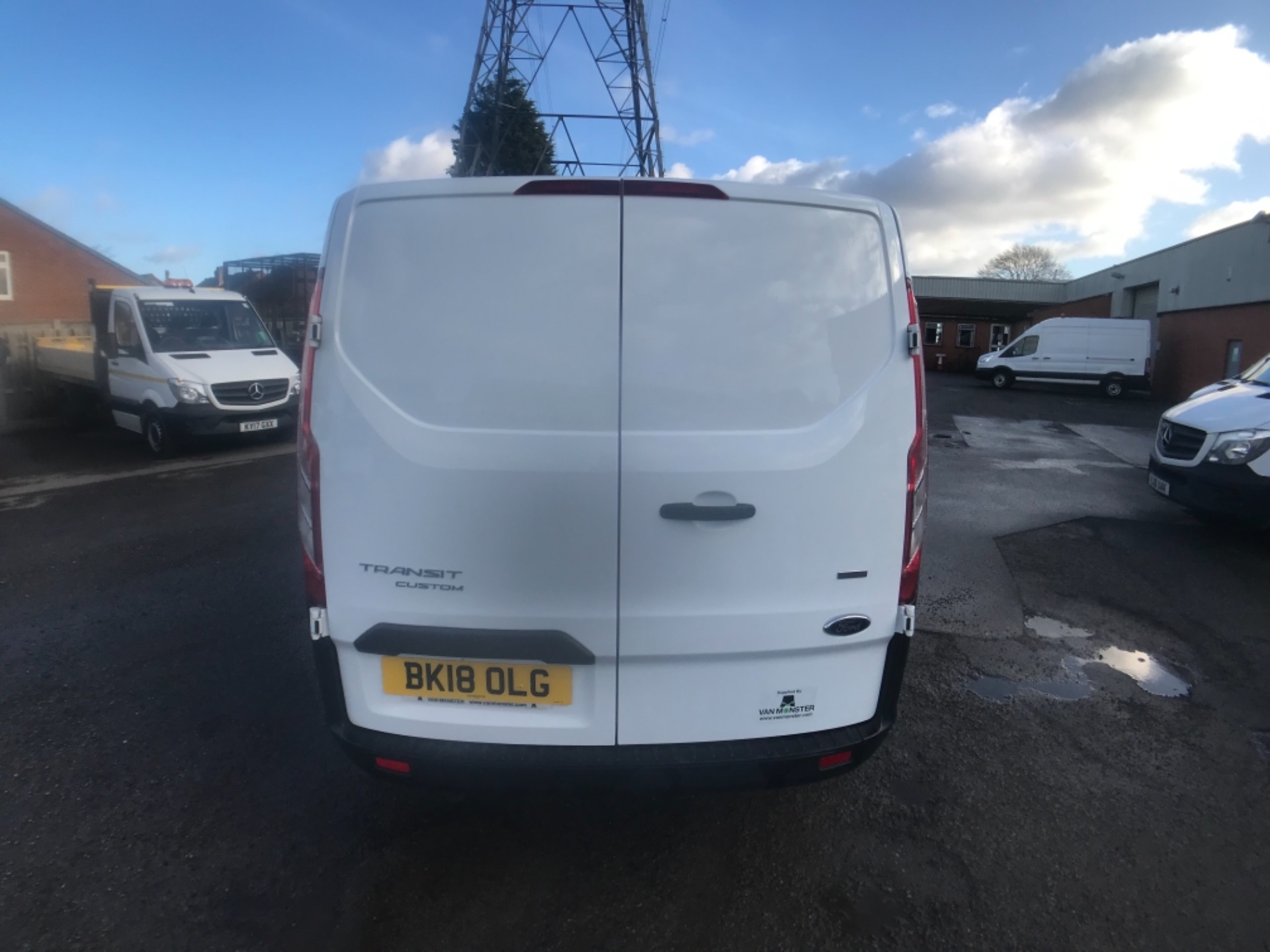 2018 Ford Transit Custom 320 L2 2.0 130ps D/Cab Euro 6 (BK18OLG) Image 6