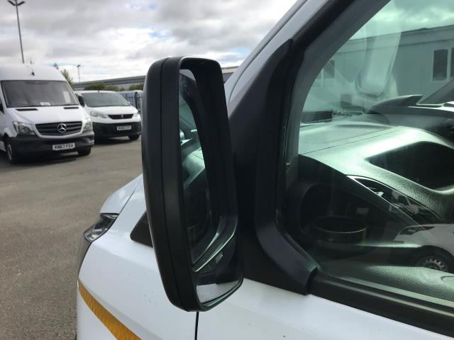 2017 Ford Transit Custom  290 L1 DIESEL FWD 2.0 TDCI 105PS LOW ROOF VAN EURO 6 (BL17BVZ) Image 15