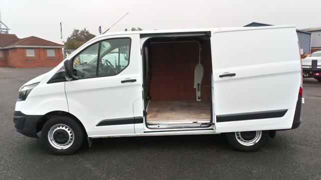 2017 Ford Transit Custom 2.0 Tdci 105Ps Low Roof Van (BL17NLG) Image 9