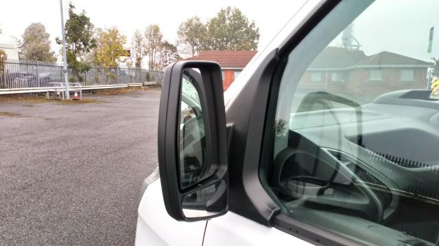 2017 Ford Transit Custom 2.0 Tdci 105Ps Low Roof Van (BL17NLG) Image 12