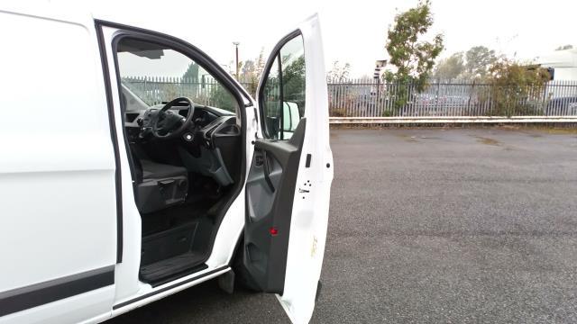 2017 Ford Transit Custom 2.0 Tdci 105Ps Low Roof Van (BL17NLG) Image 13