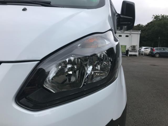 2017 Ford Transit Custom  290 L1 DIESEL FWD 2.0 TDCI 105PS LOW ROOF VAN EURO 6 (BL17NNX) Image 12