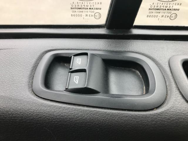 2017 Ford Transit Custom  290 L1 DIESEL FWD 2.0 TDCI 105PS LOW ROOF VAN EURO 6 (BL17NNX) Image 26