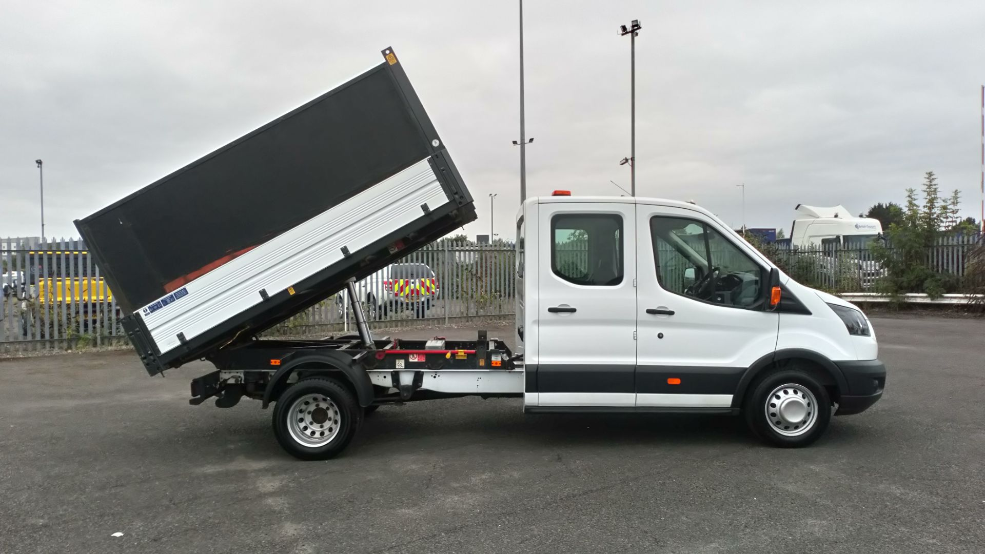 2018 Ford Transit 2.0 Tdci 130Ps H2 Double Cab Tipper (BL18UYX) Image 10
