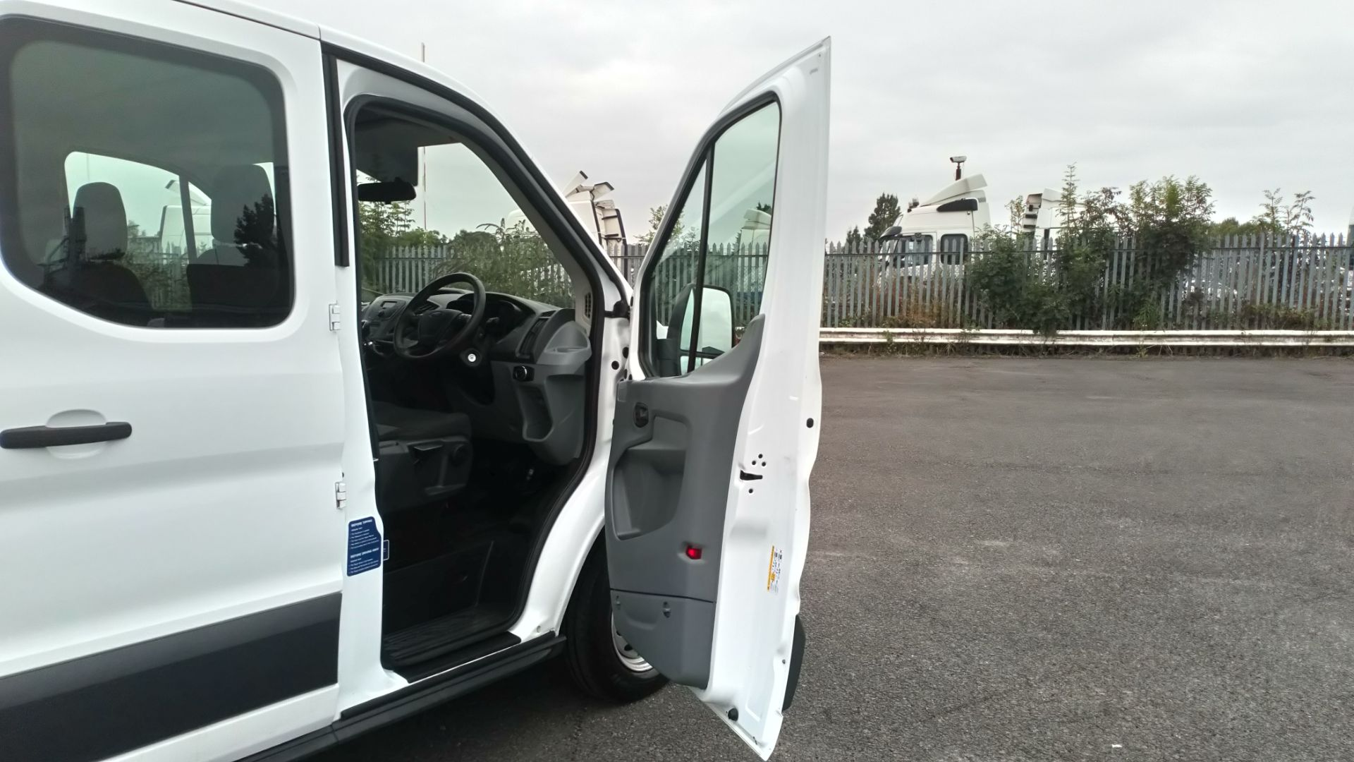 2018 Ford Transit 2.0 Tdci 130Ps H2 Double Cab Tipper (BL18UYX) Image 13