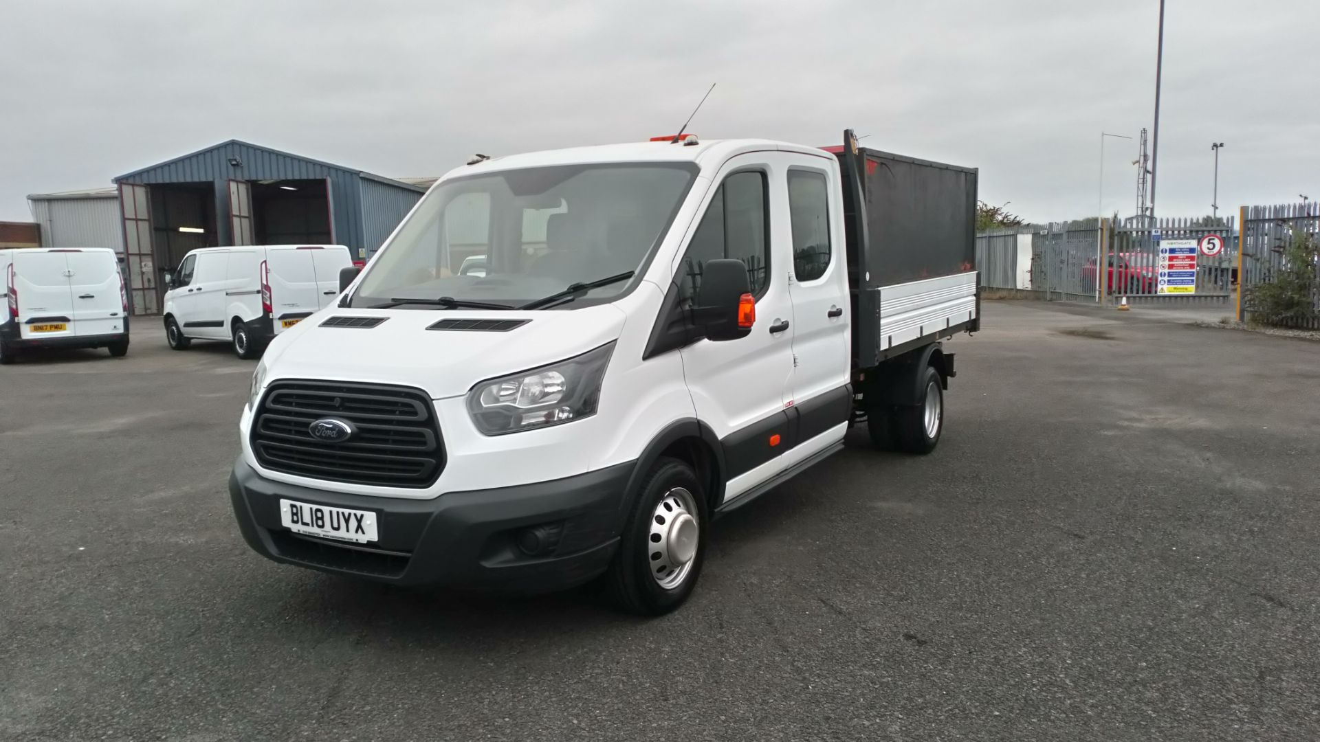 2018 Ford Transit 2.0 Tdci 130Ps H2 Double Cab Tipper (BL18UYX) Image 3
