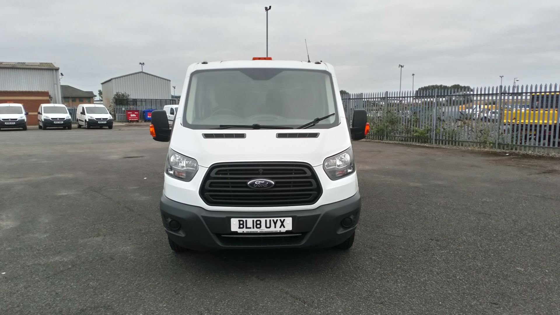 2018 Ford Transit 2.0 Tdci 130Ps H2 Double Cab Tipper (BL18UYX) Image 2