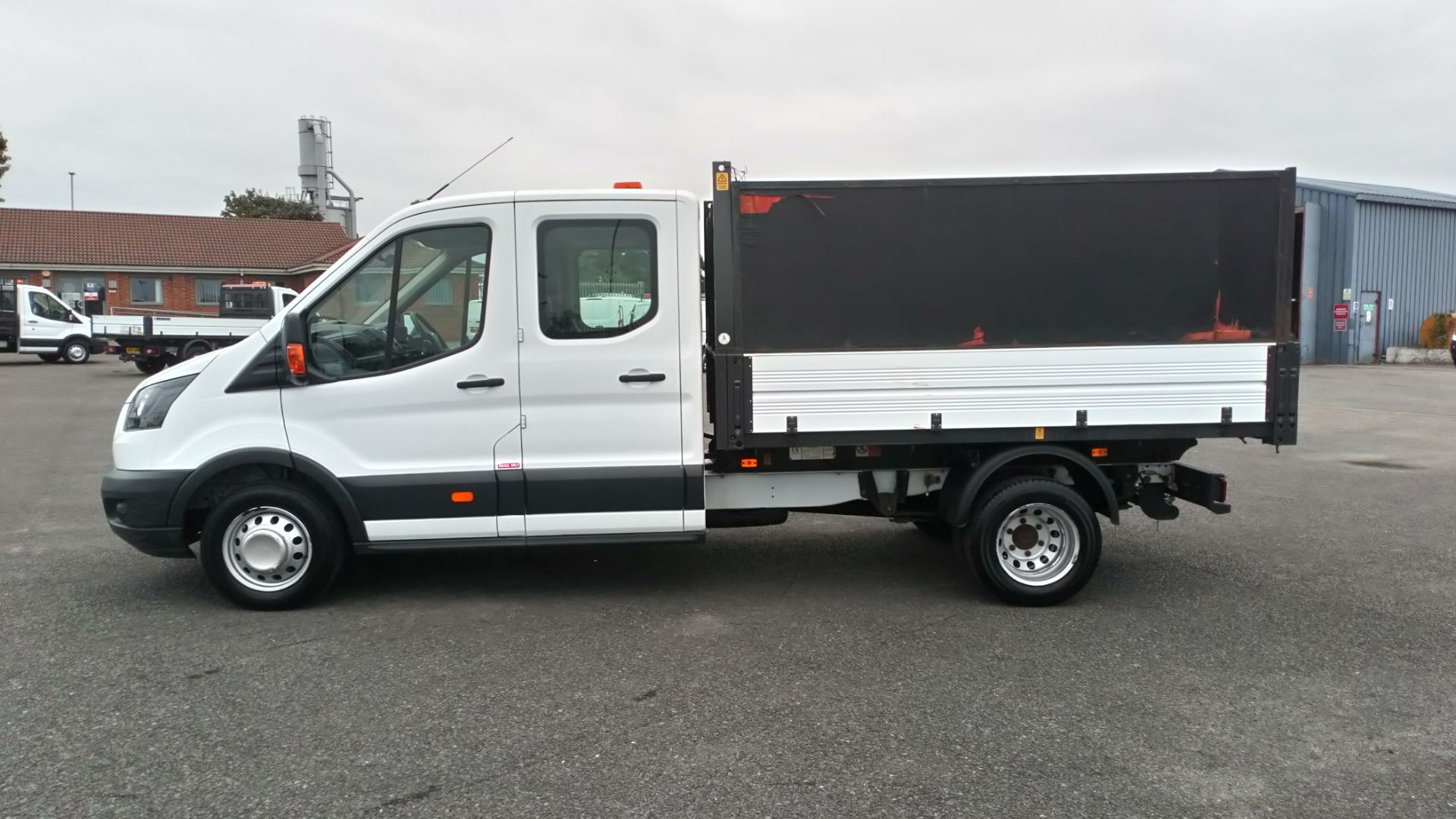 2018 Ford Transit 2.0 Tdci 130Ps H2 Double Cab Tipper (BL18UYX) Image 4