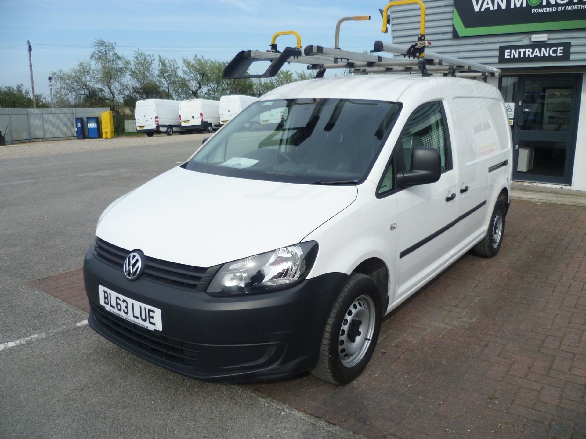 2014 Volkswagen Caddy 1.6 BLUEMOTION 102PS STARTLINE EURO 5 (BL63LUE) Thumbnail 2