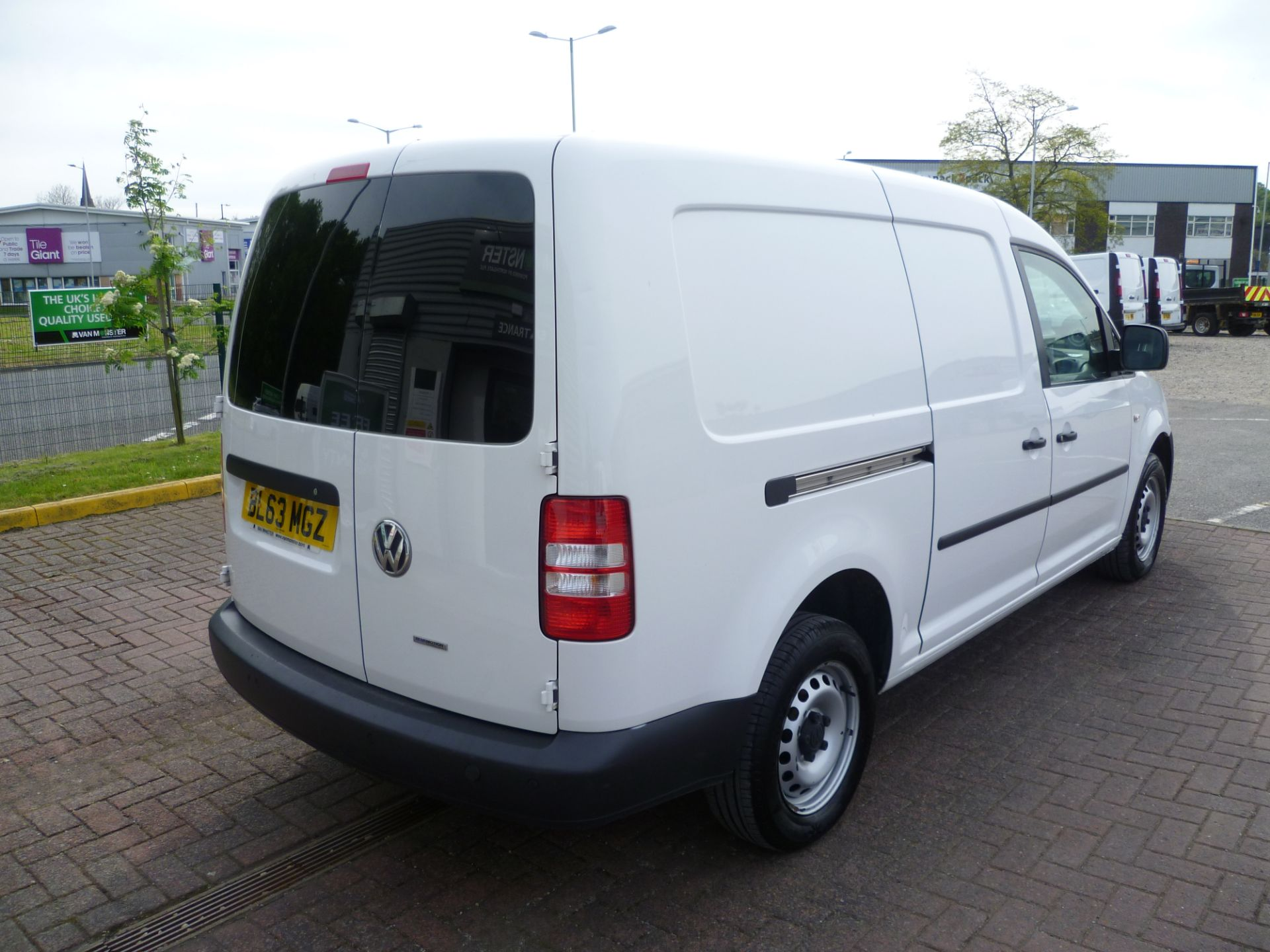 2014 Volkswagen Caddy 1.6 BLUEMOTION 102PS STARTLINE EURO 5 (BL63MGZ) Thumbnail 4