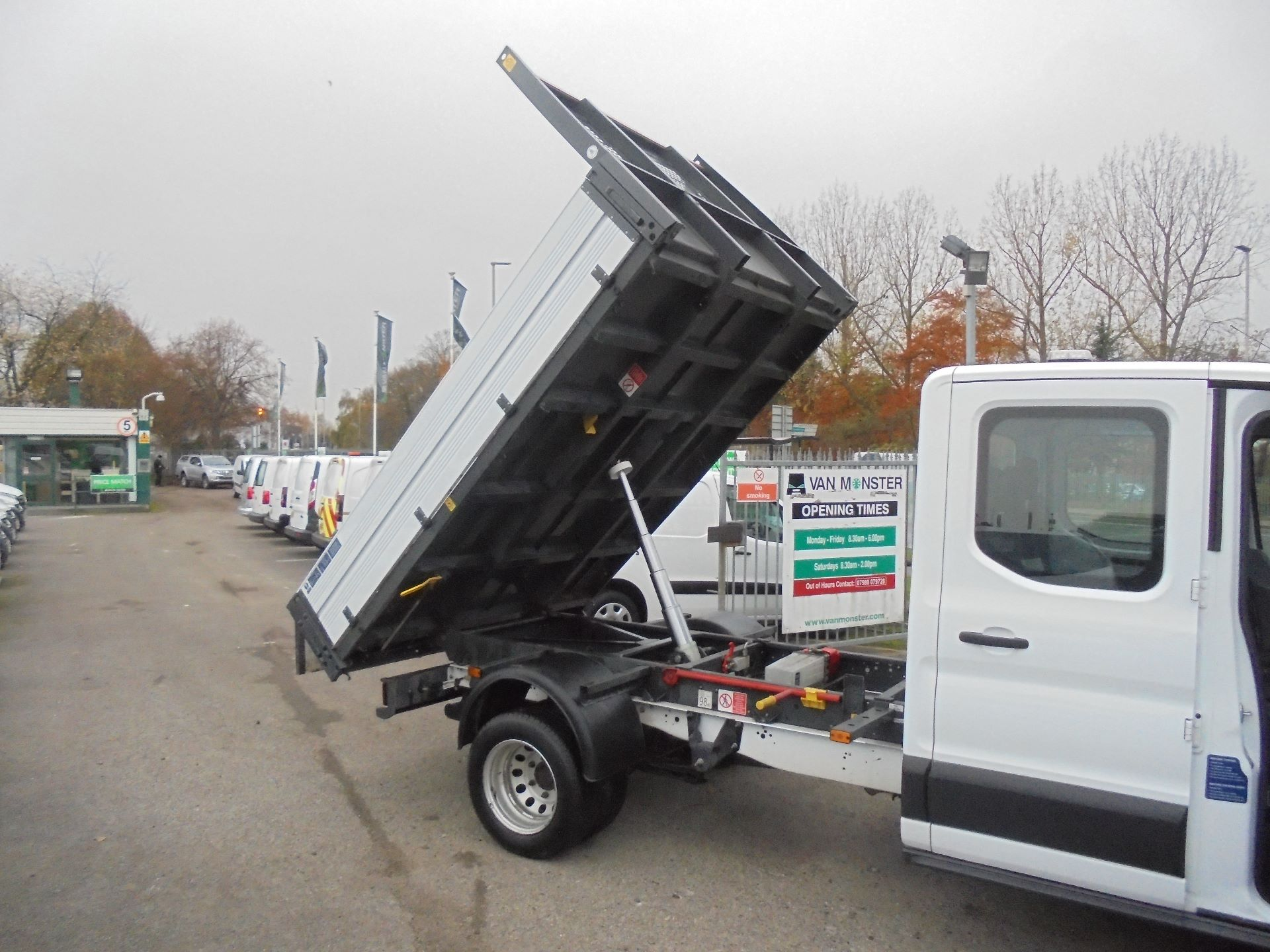 2017 Ford Transit 350 L3 DOUBLE CAB TIPPER 130PS EURO 5 (BL67PYZ) Image 12