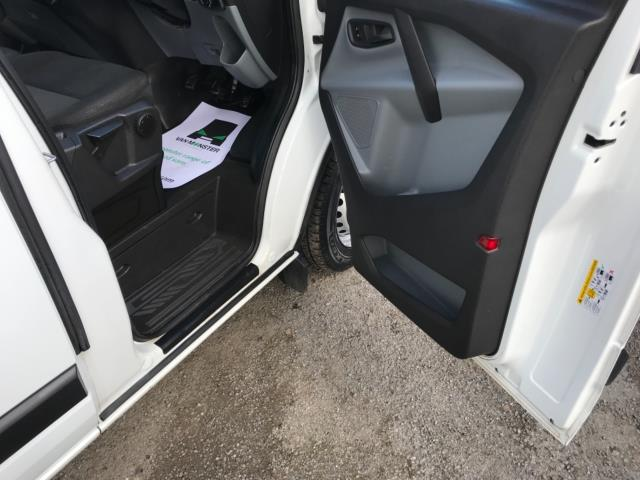 2018 Ford Transit Custom 2.0 Tdci 105Ps Low Roof Van Euro 6 (BL67YTW) Image 13