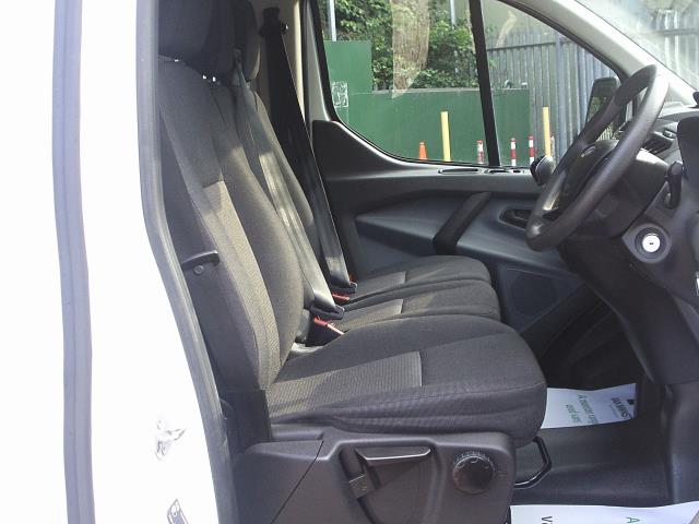 2017 Ford Transit Custom  290 L1 DIESEL FWD 2.0 TDCI 105PS LOW ROOF VAN EURO 6 (BM17HGE) Image 13