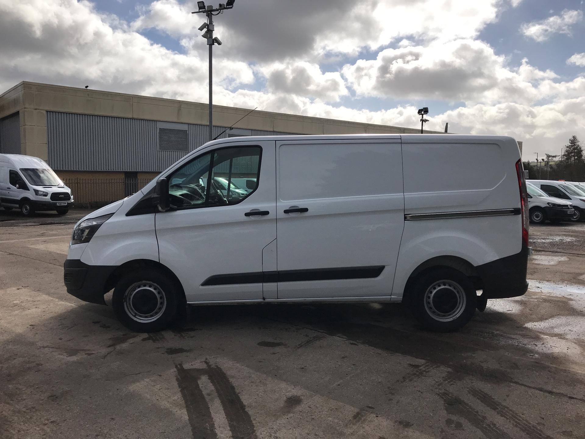 2017 Ford Transit Custom 290 L1 DIESEL FWD 2.0 TDCI 105PS LOW ROOF VAN EURO 6 (BN17OZL) Image 6