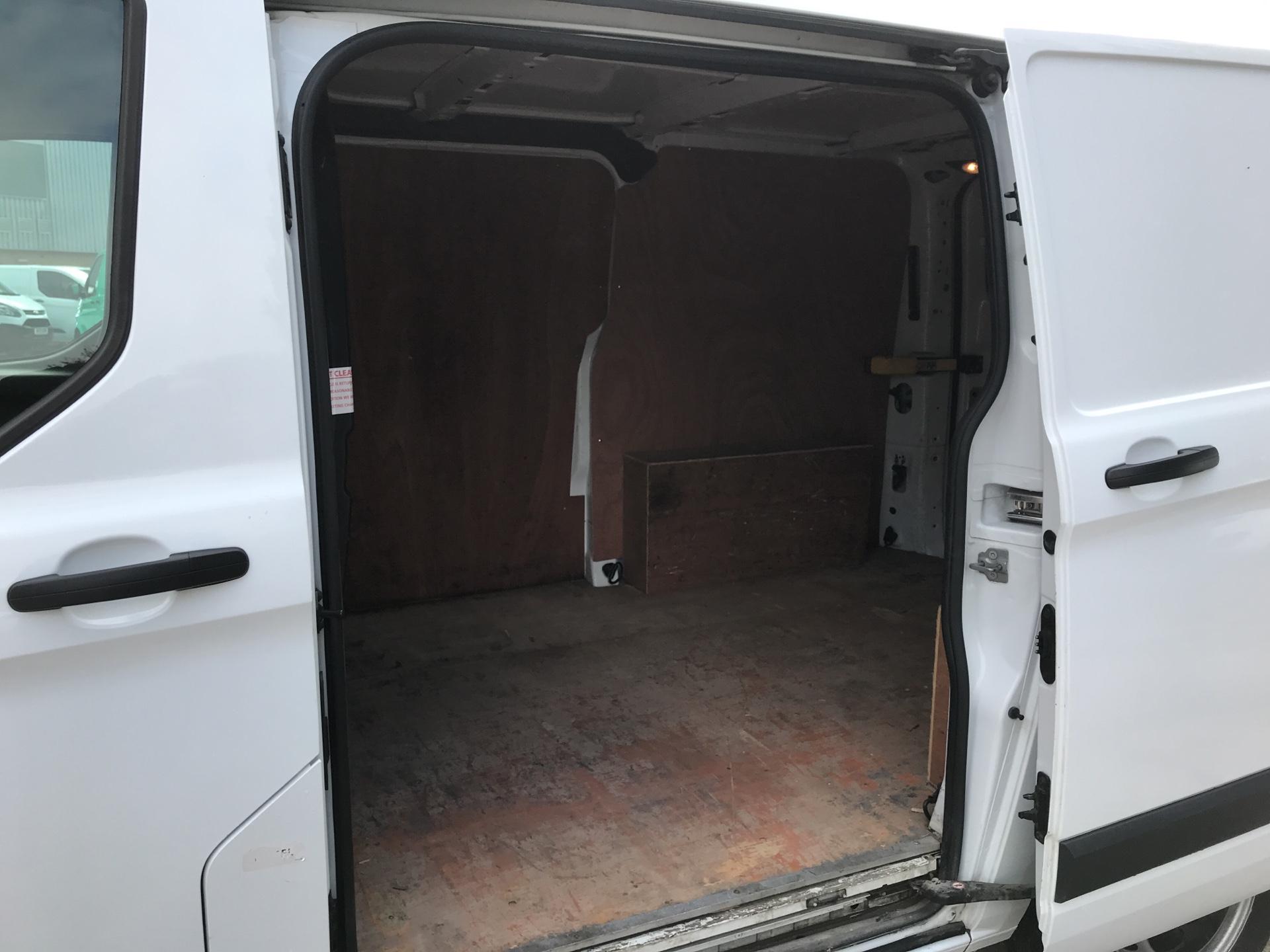 2017 Ford Transit Custom 290 L1 DIESEL FWD 2.0 TDCI 105PS LOW ROOF VAN EURO 6 (BN17OZL) Image 17