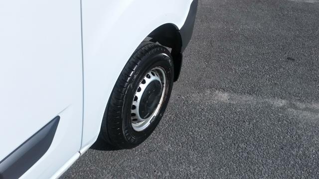 2017 Ford Transit Custom 2.0 Tdci 105Ps Low Roof Van (BN17PMU) Image 15
