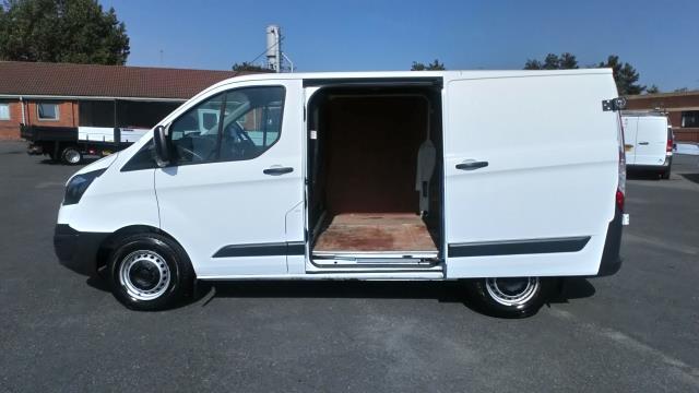 2017 Ford Transit Custom 2.0 Tdci 105Ps Low Roof Van (BN17PMU) Image 10