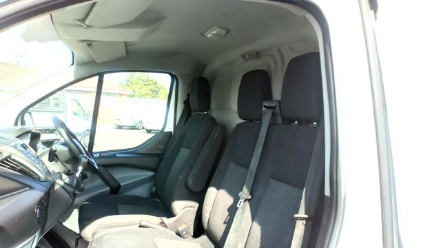 2017 Ford Transit Custom 2.0 Tdci 105Ps Low Roof Van (BN17PMU) Image 18
