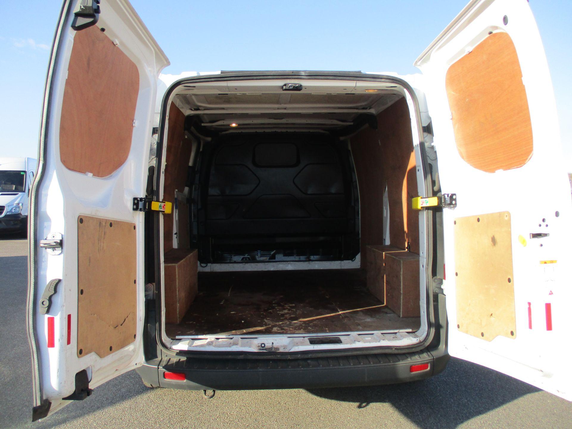 2017 Ford Transit Custom 290 L1 DIESEL FWD 2.0 TDCI 105PS LOW ROOF VAN EURO 6 (BN17PNJ) Image 10