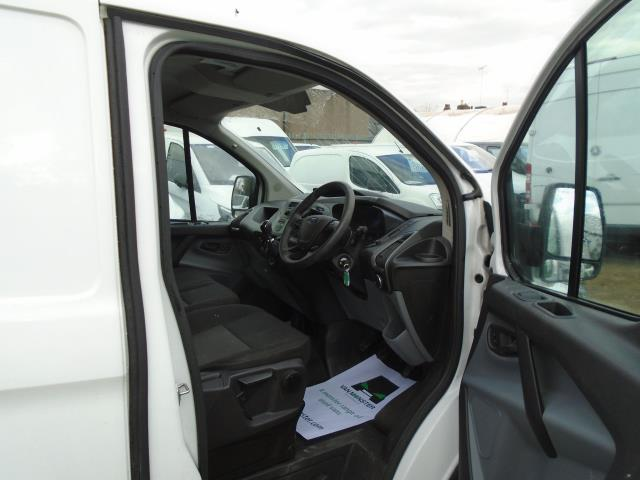 2017 Ford Transit Custom 2.0 Tdci 105Ps Low Roof Van (BN17XFO) Image 19