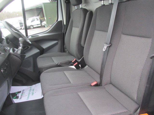 2017 Ford Transit Custom 290 L1 DIESEL FWD 2.0 TDCI 105PS LOW ROOF EURO 6 (BN17XGF) Image 16