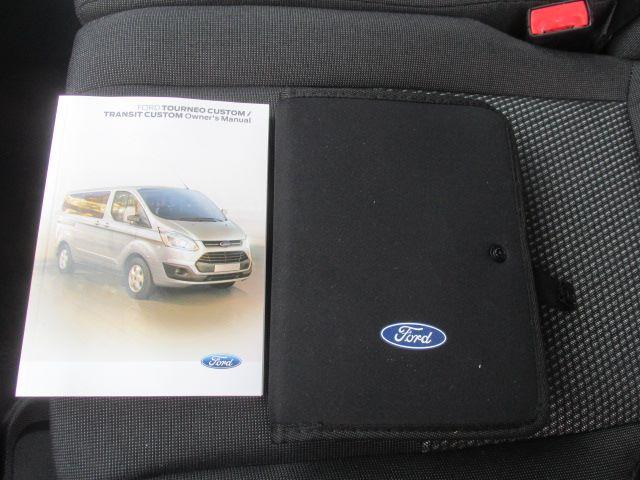 2017 Ford Transit Custom 290 L1 DIESEL FWD 2.0 TDCI 105PS LOW ROOF EURO 6 (BN17XGF) Image 17