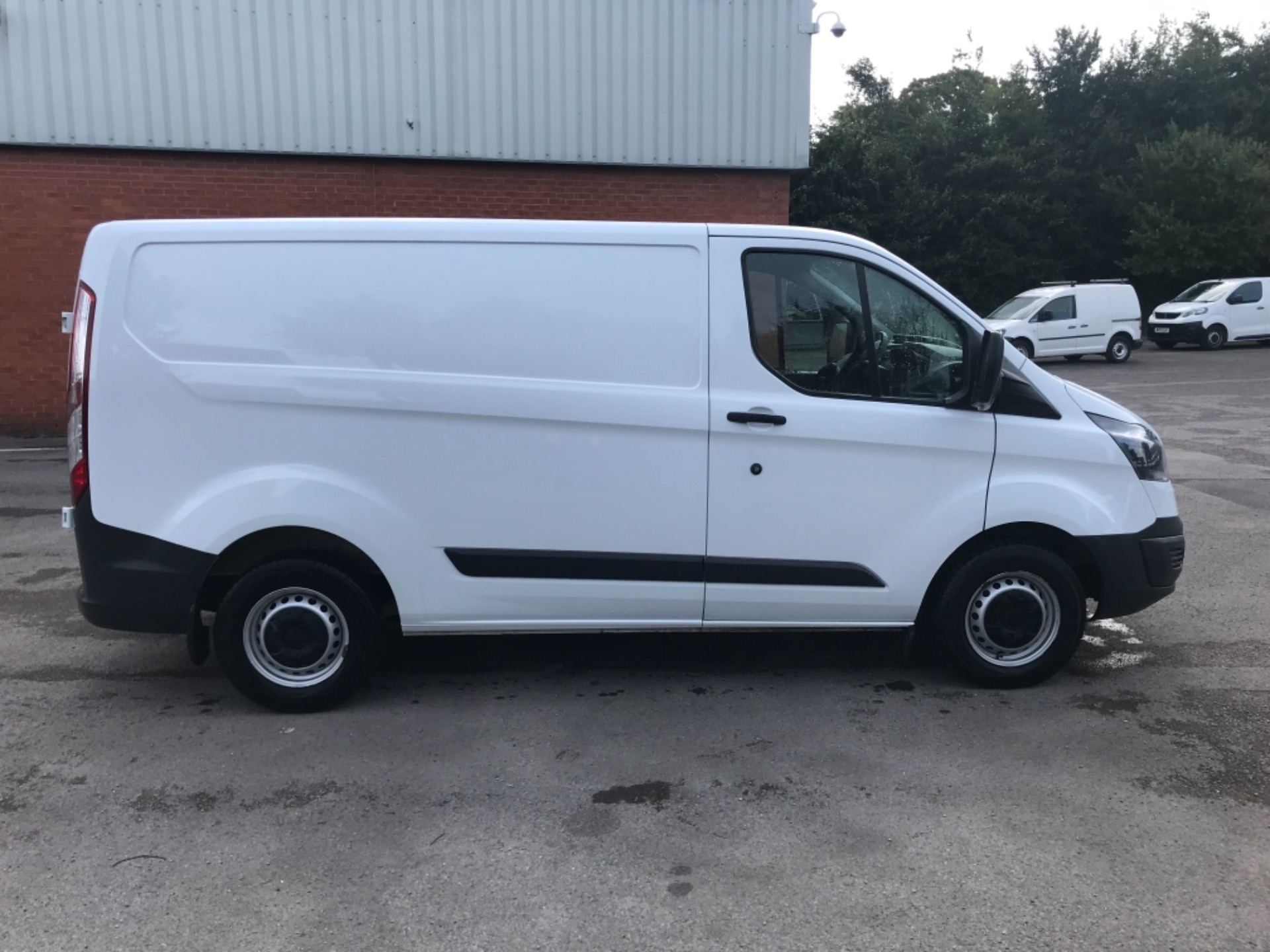 2017 Ford Transit Custom 2.0 Tdci 105Ps Low Roof Van Euro 6 (BN17XKJ) Image 8