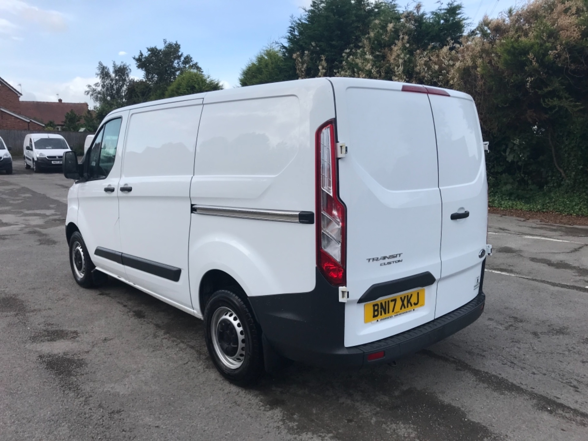 2017 Ford Transit Custom 2.0 Tdci 105Ps Low Roof Van Euro 6 (BN17XKJ) Image 5