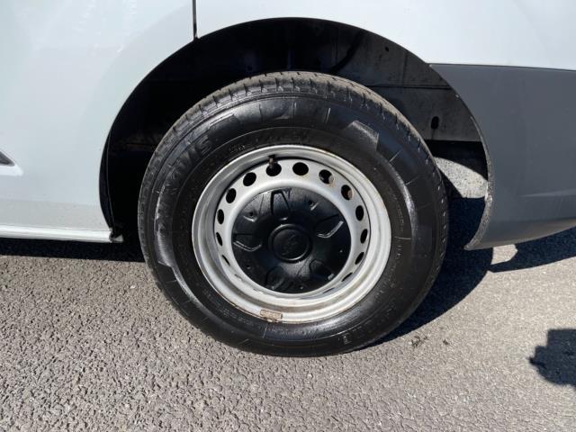 2018 Ford Transit Custom 2.0 Tdci 105Ps Low Roof Van (BN18NKG) Image 9