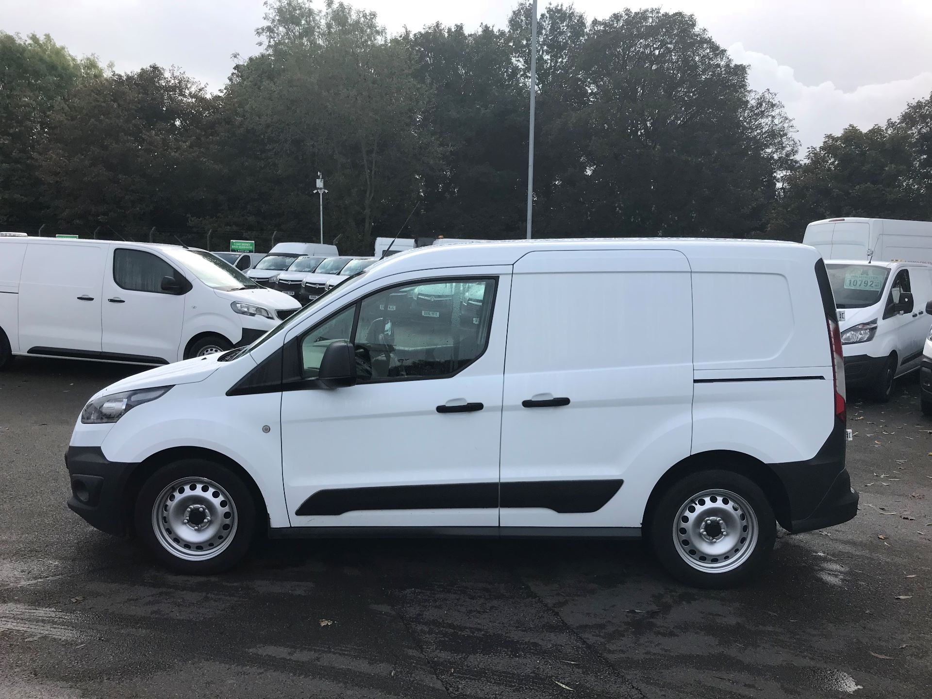 2016 Ford Transit Connect  200 L1 Diesel 1.6 TDCi 75PS Van EURO 5 (BN66UXV) Image 9