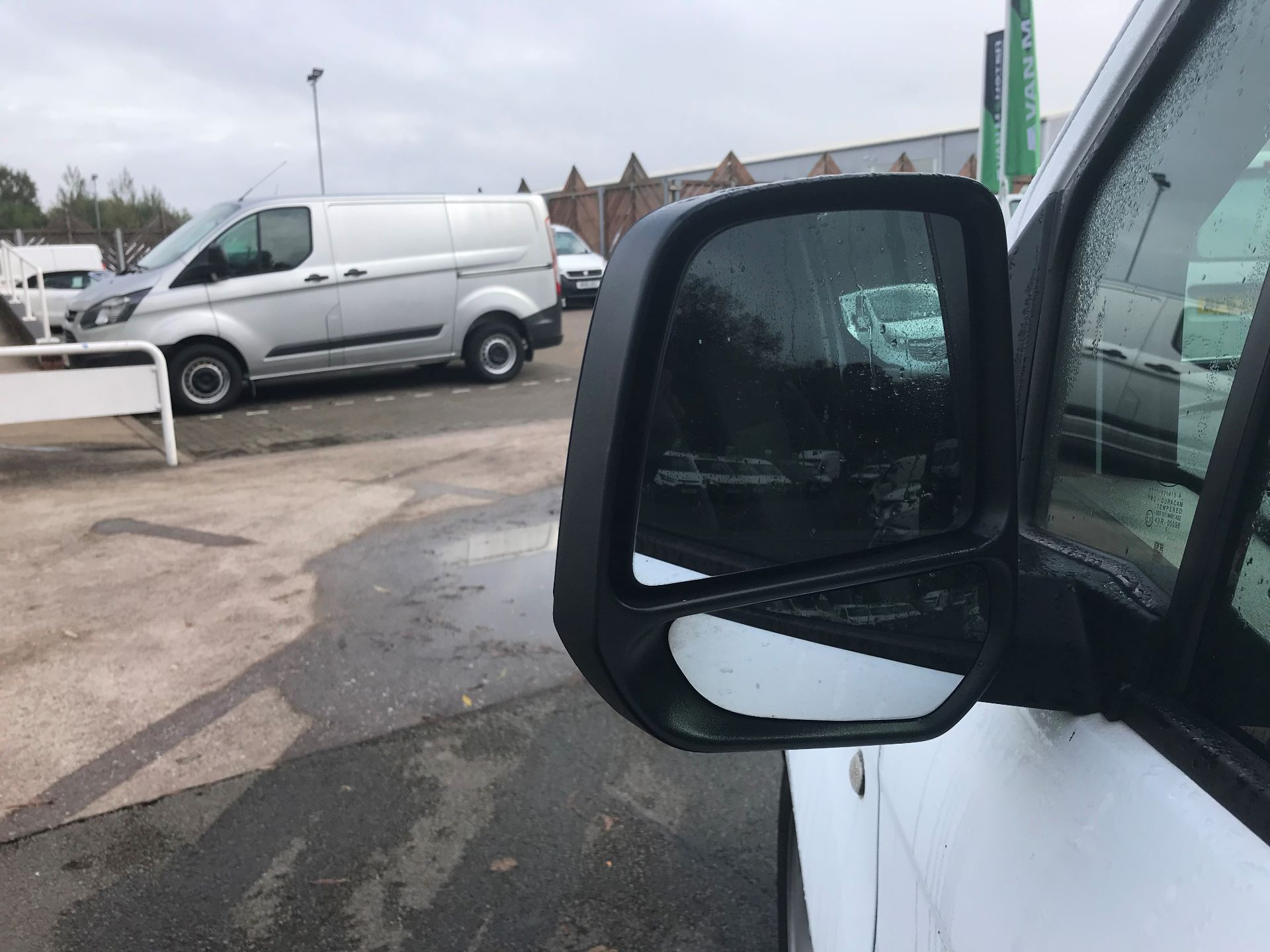 2016 Ford Transit Connect  200 L1 Diesel 1.6 TDCi 75PS Van EURO 5 (BN66UXV) Image 11