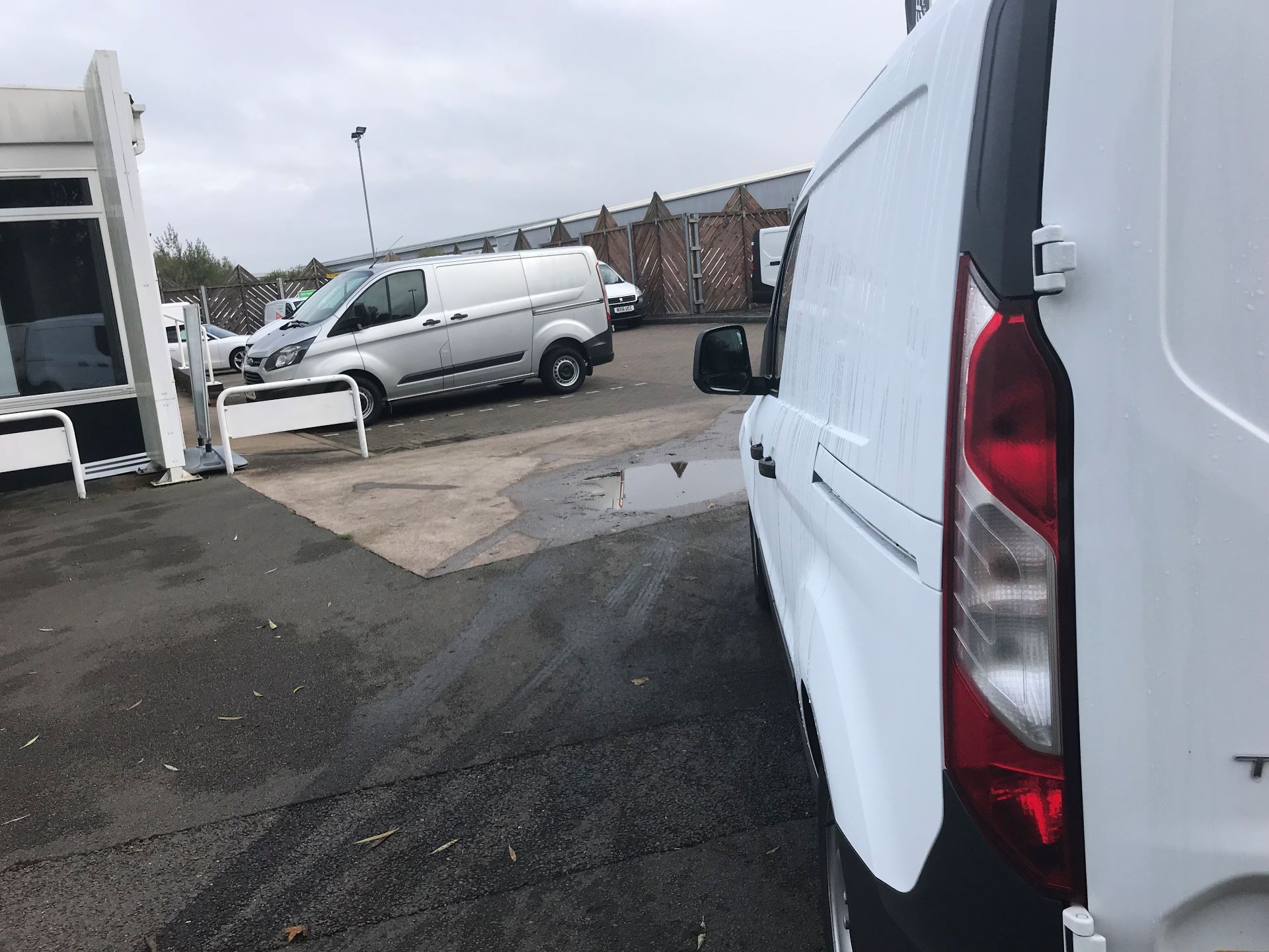 2016 Ford Transit Connect  200 L1 Diesel 1.6 TDCi 75PS Van EURO 5 (BN66UXV) Image 13