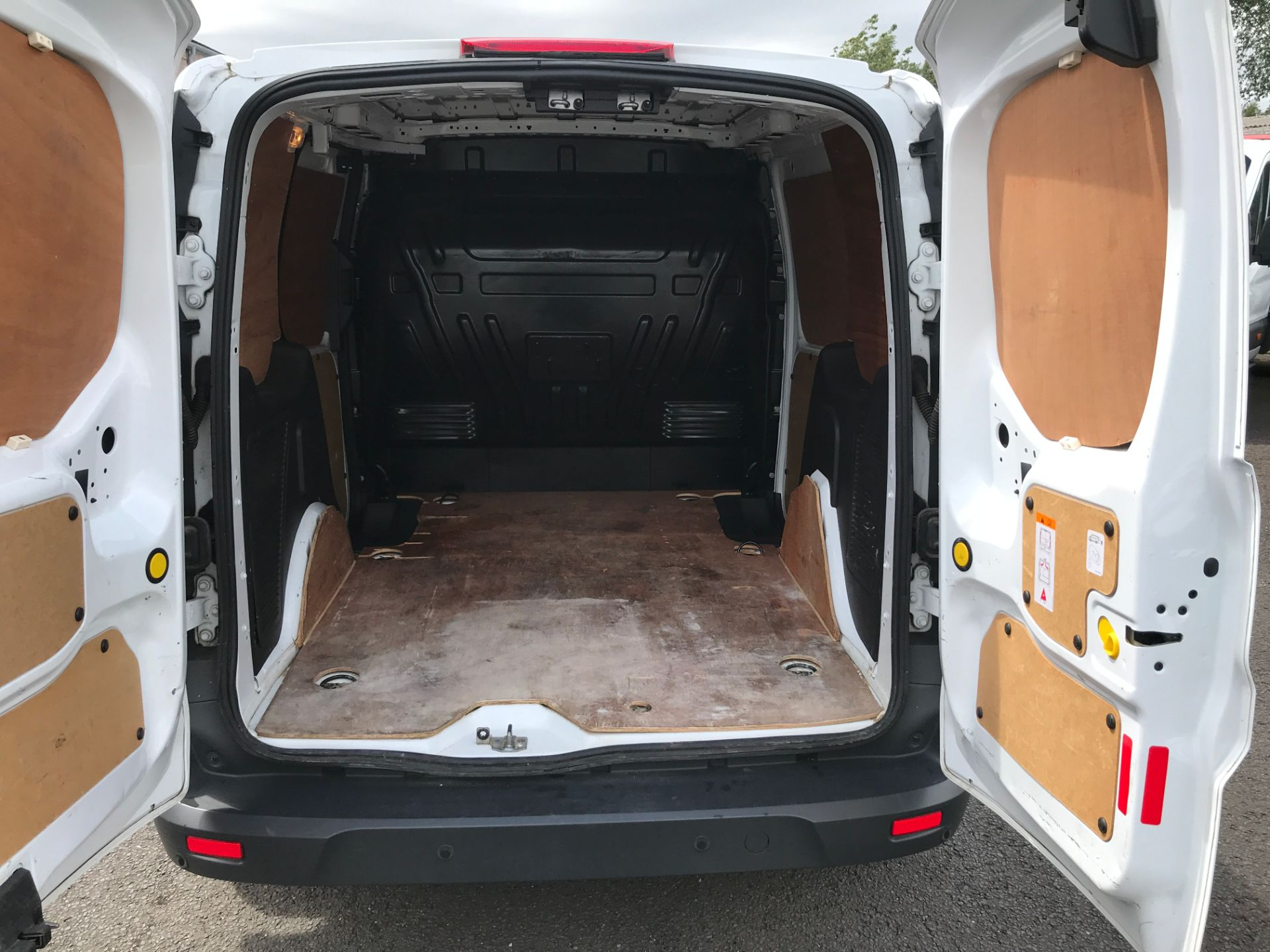 2016 Ford Transit Connect T200 L1 H1 1.5TDCI 75PS EURO 5 (BN66UYF) Image 9