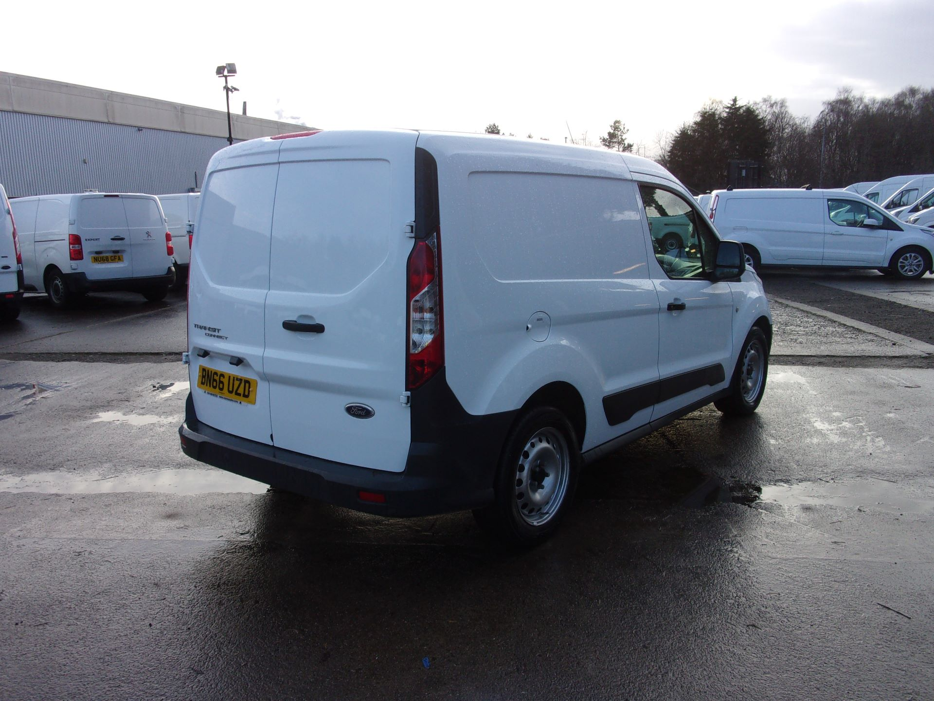 2016 Ford Transit Connect 200 L1 DIESEL 1.6 TDCI 75PS VAN EURO 5 (BN66UZD) Image 9