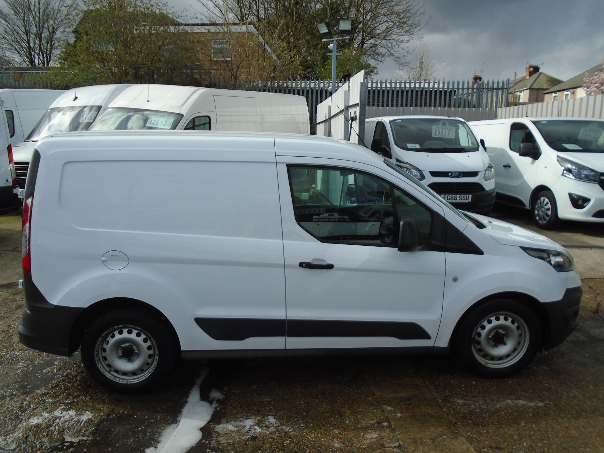 2016 Ford Transit Connect 1.6 Tdci 75Ps Van (BN66VAA) Image 9