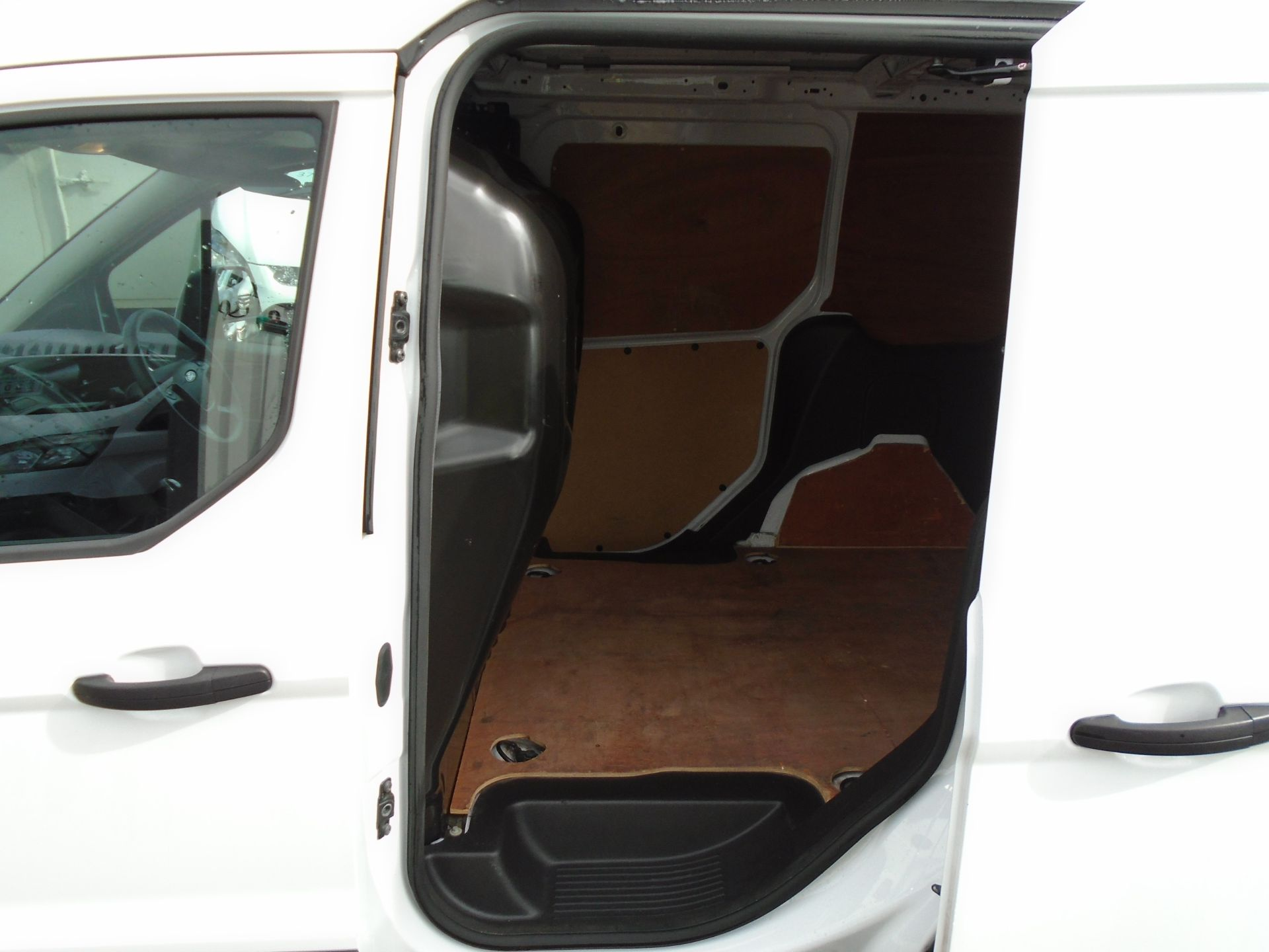 2016 Ford Transit Connect 1.6 Tdci 75Ps Van (BN66VAA) Image 11