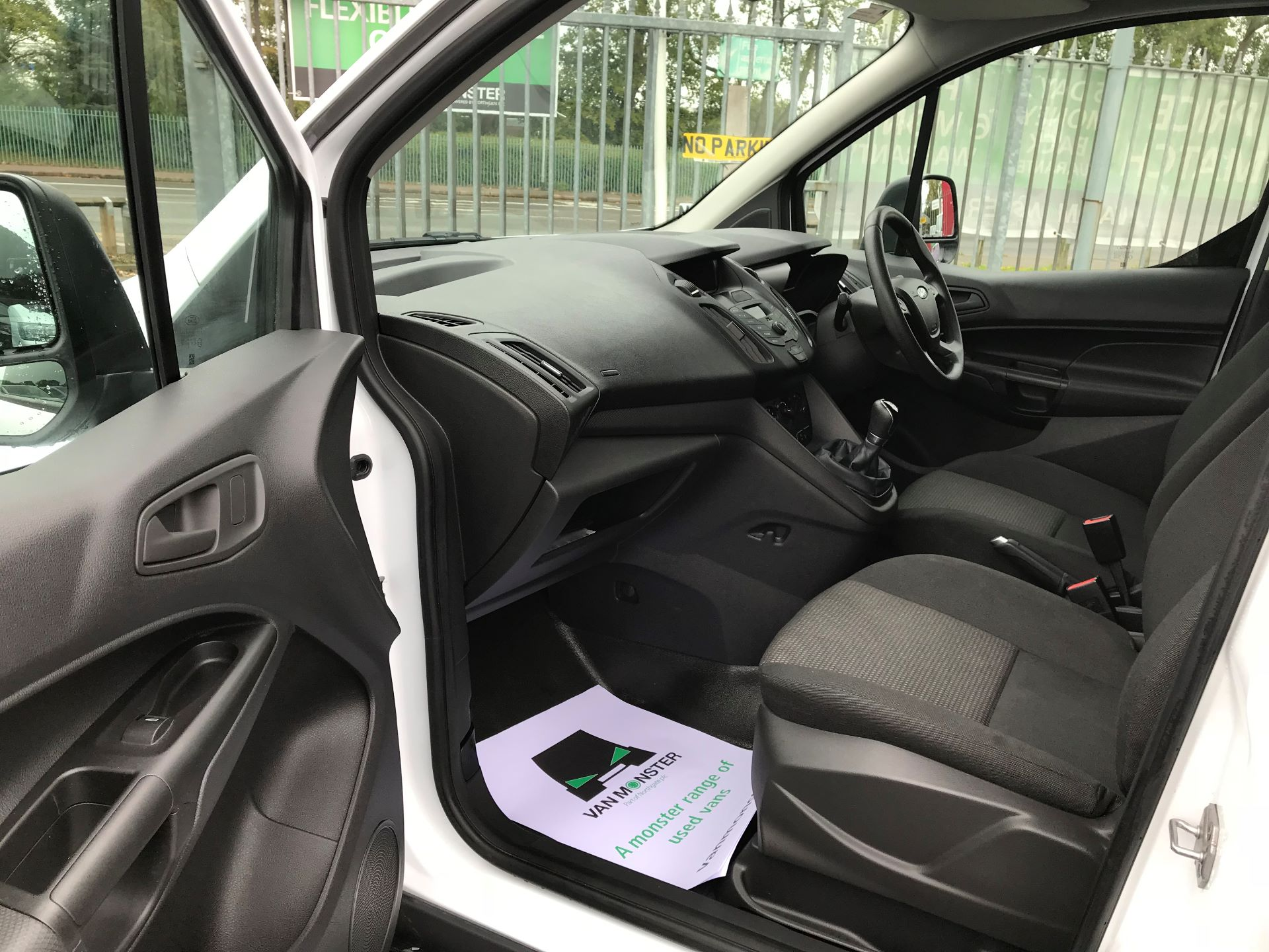 2016 Ford Transit Connect 200 L1 DIESEL 1.5 TDCi 75PS VAN EURO 5 (BN66VDK) Image 11