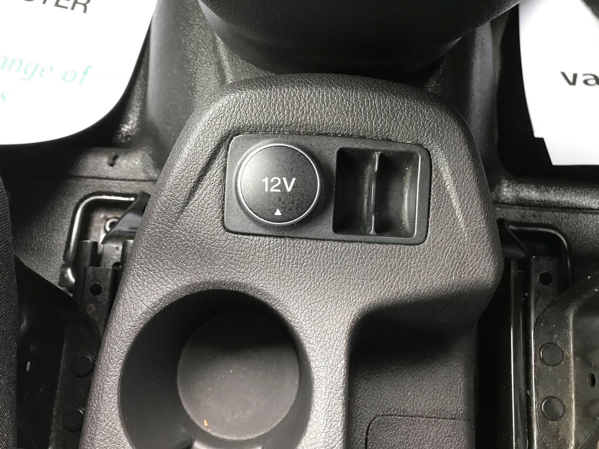 2016 Ford Transit Connect 200 L1 DIESEL 1.5 TDCi 75PS VAN EURO 5 (BN66VDK) Image 23