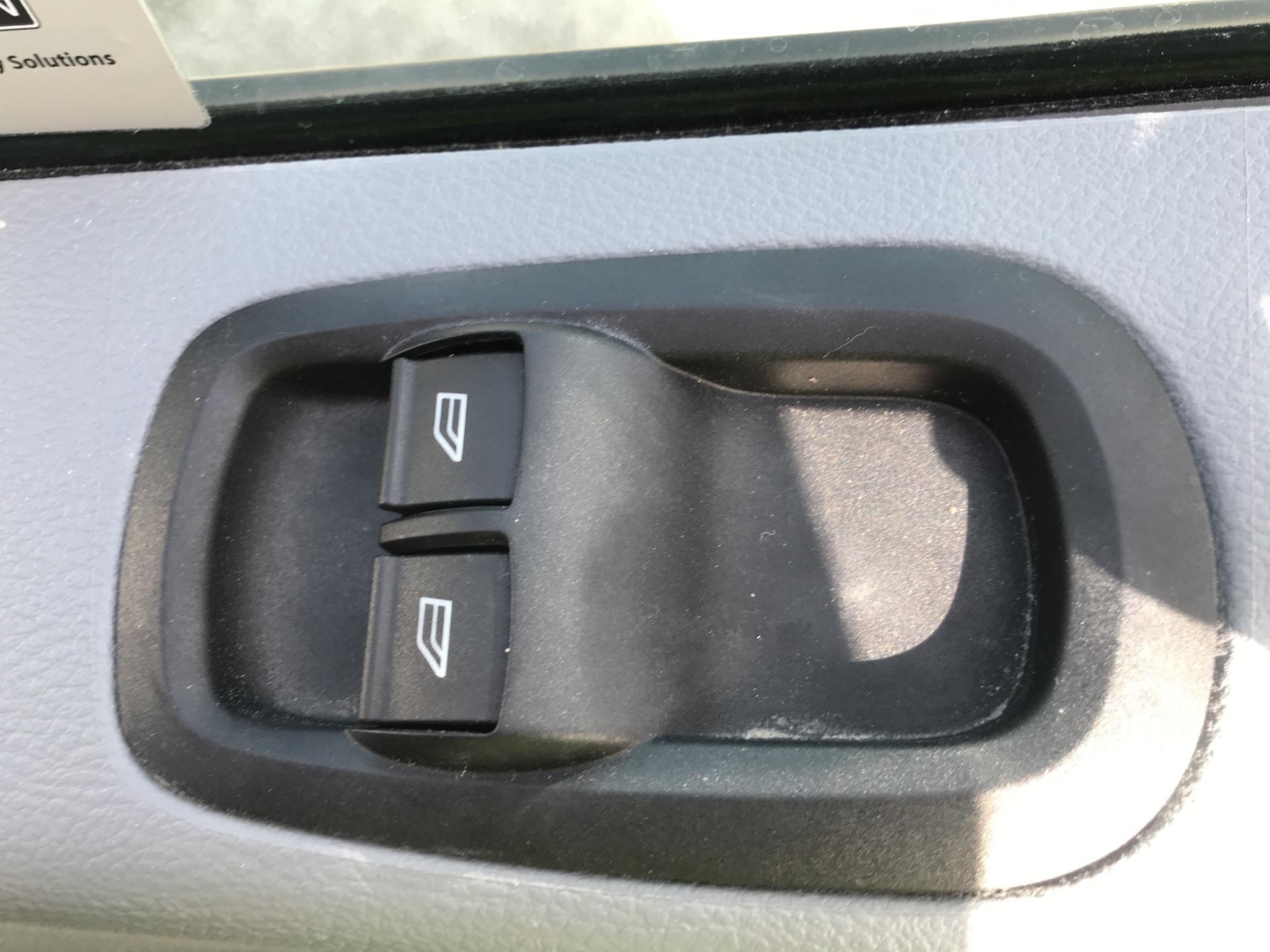 2017 Ford Transit 350  L3 H3 VAN 130PS EURO 6 (BN67HCA) Image 15