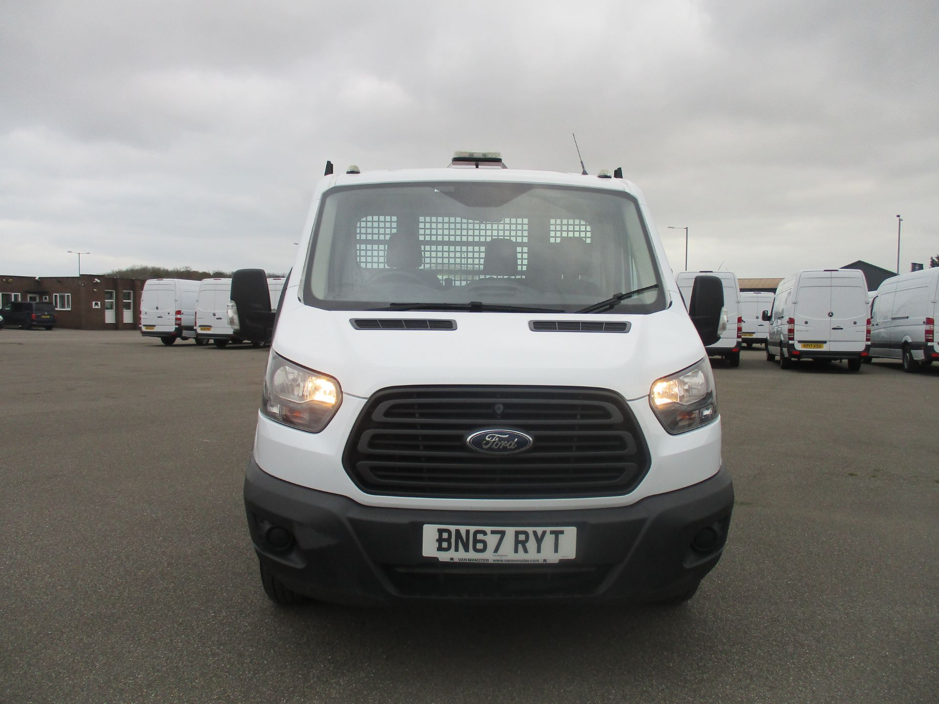 2017 Ford Transit 350 L2 SINGLE CAB TIPPER 130PS EURO 6 (BN67RYT) Image 2