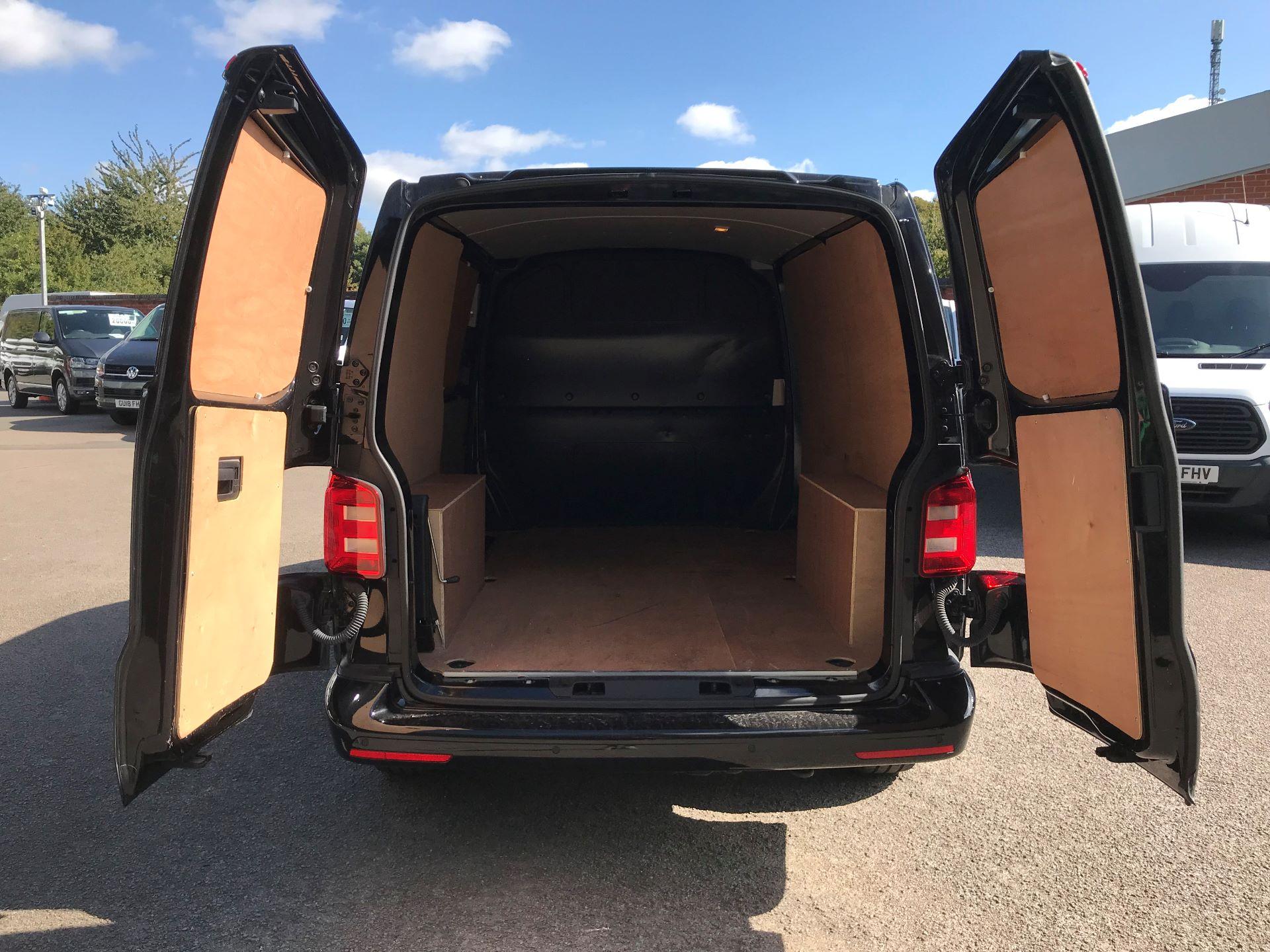 2018 Volkswagen Transporter 2.0 Tdi Bmt 150 Highline Van Euro 6 (BN68FLA) Image 11