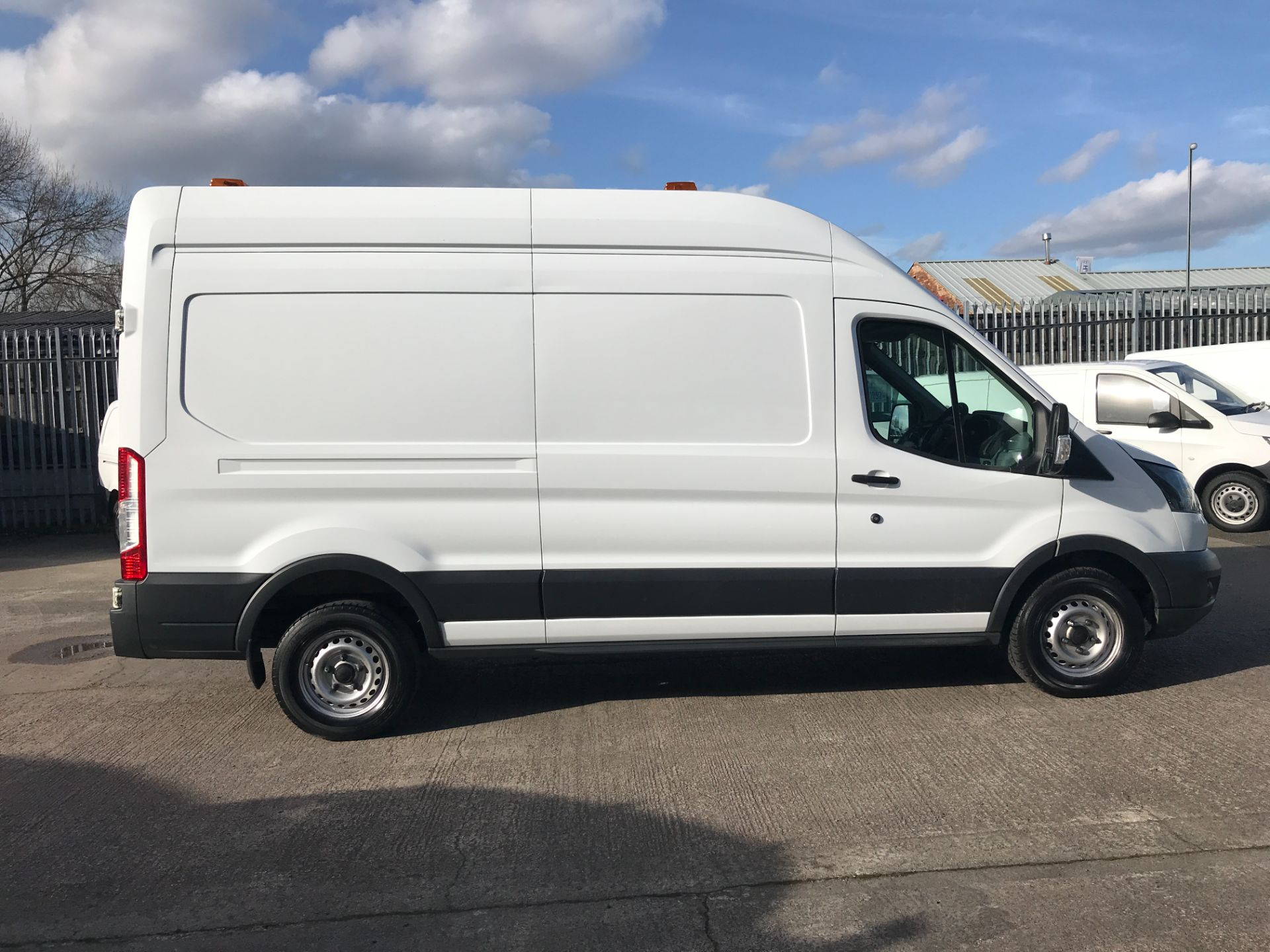 2017 Ford Transit T350 L3 H3 130PS EURO 6  (BP17VZU) Thumbnail 13