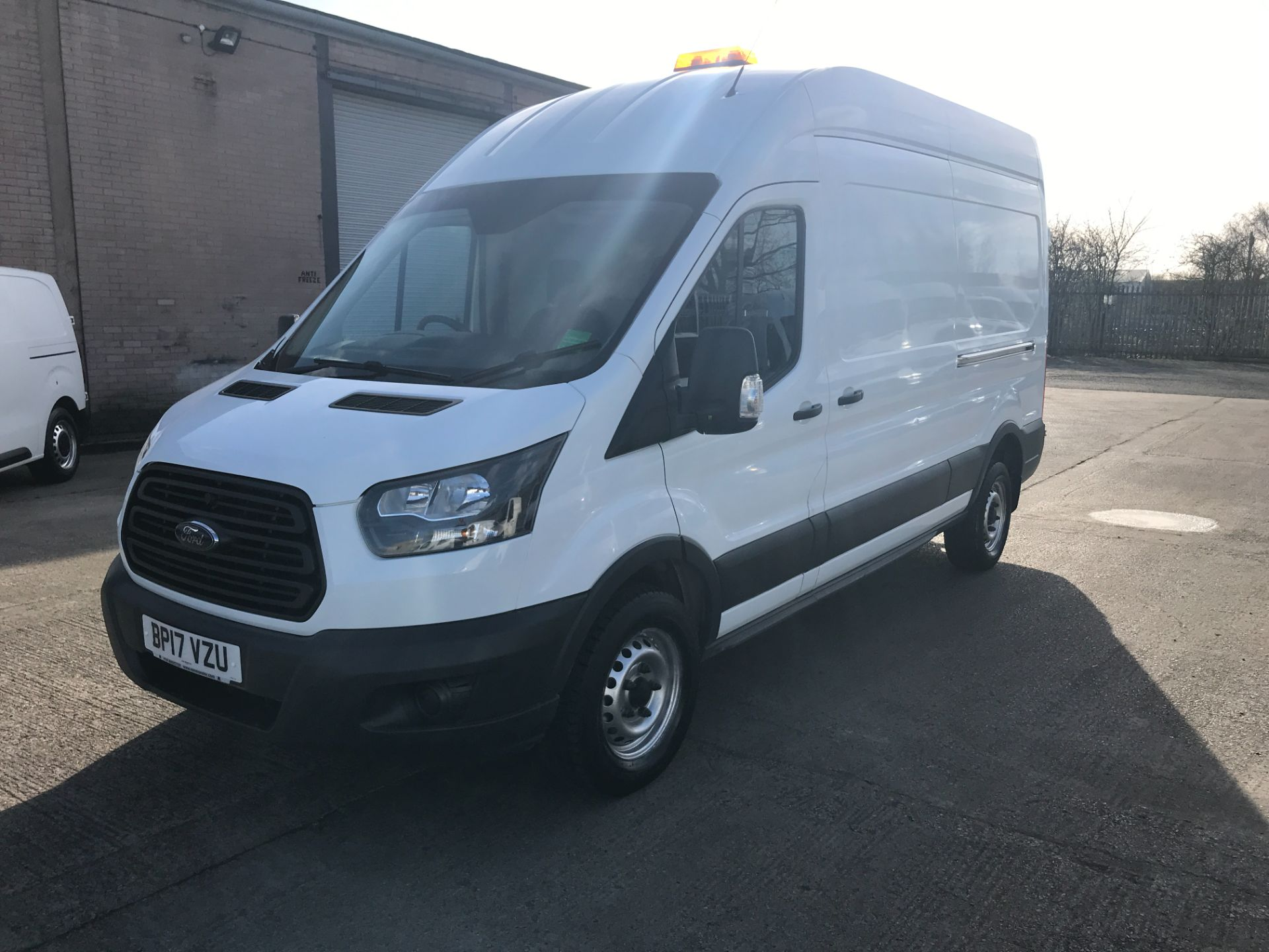 2017 Ford Transit T350 L3 H3 130PS EURO 6  (BP17VZU) Thumbnail 3
