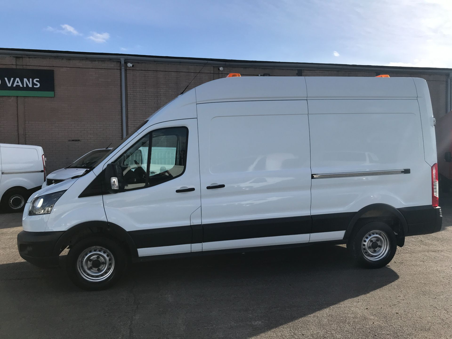 2017 Ford Transit T350 L3 H3 130PS EURO 6  (BP17VZU) Thumbnail 4