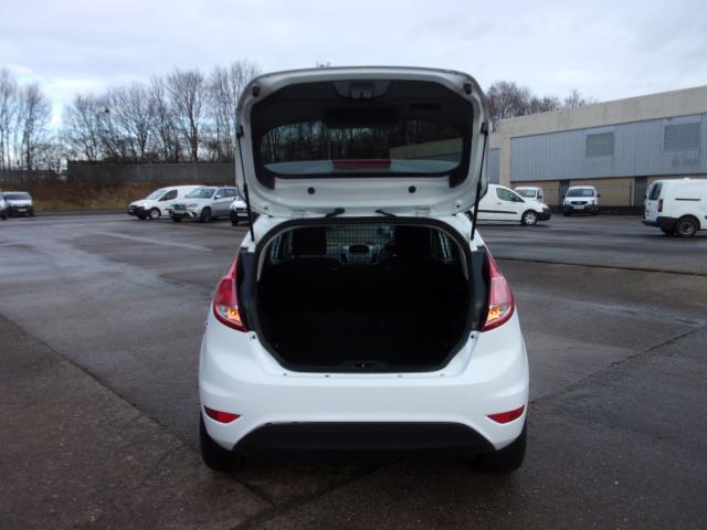 2017 Ford Fiesta 1.5 TDCI VAN EURO 5 (BT17TPU) Image 17