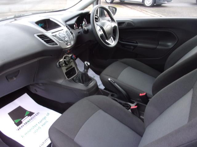 2017 Ford Fiesta 1.5 TDCI VAN EURO 5 (BT17TPU) Image 13