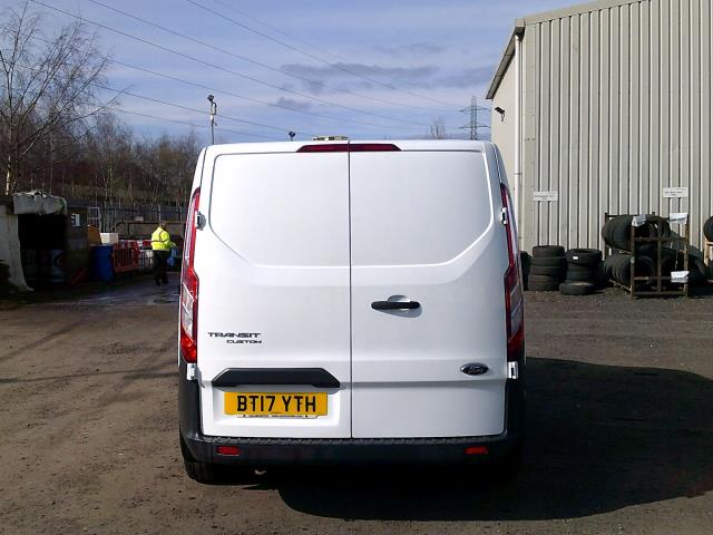 2017 Ford Transit Custom 290 L1 DIESEL FWD 2.0 TDCI 105PS LOW ROOF VAN EURO 6 * SPEED RESTRICTED TO 72 MPH* (BT17YTH) Image 10